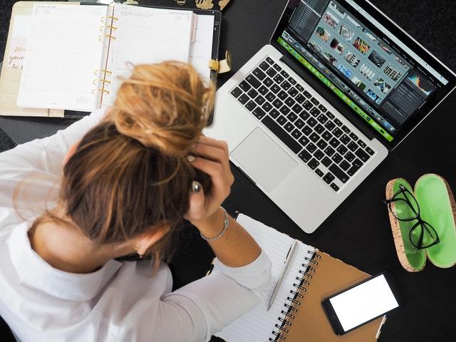 Employée stressée