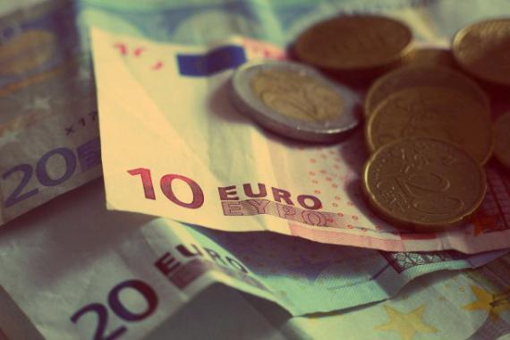 Billets de banque et pièces de monnaie (€)
