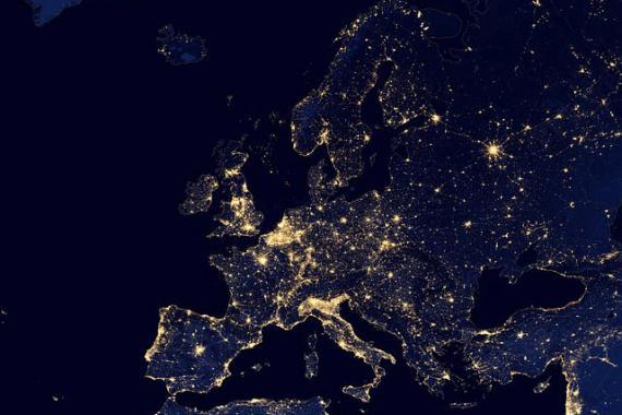 Le continent européen vu du ciel (vue nocturne par satellite)