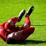 Homme blessé au football